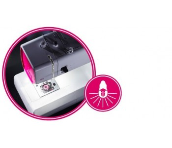 La macchina per cucire Smarter by Pfaff 160S ha la luce al led